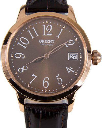 Часы на кожаном ремешке водонепроницаемые с камнями Orient