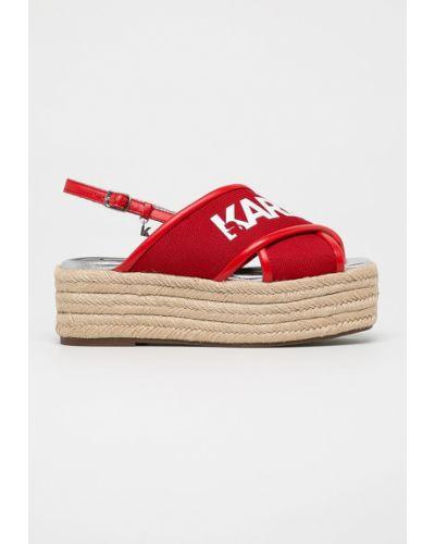 Сандалии на танкетке кожаный красные Karl Lagerfeld