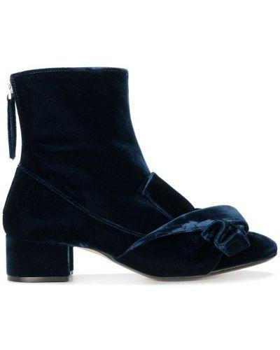 Кожаные ботинки на каблуке с бантом N21
