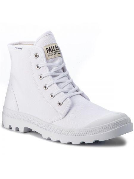 Białe trapery Palladium