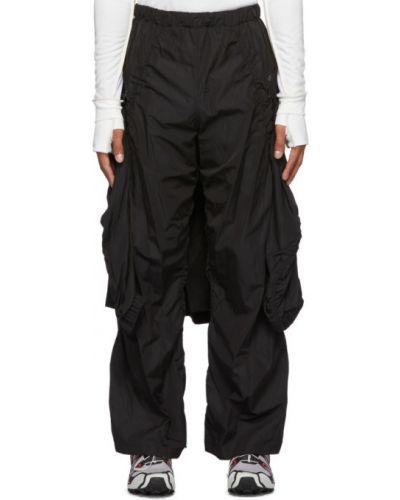 Нейлоновые черные брюки с карманами Hyein Seo