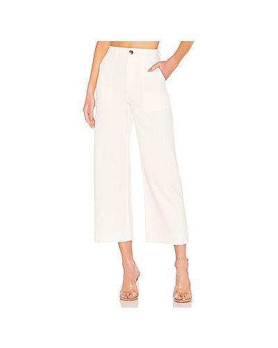 Свободные брюки с накладными карманами с карманами Wrangler