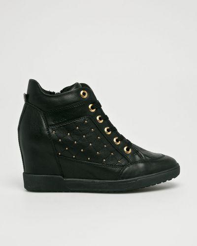 Черные кроссовки текстильные Geox