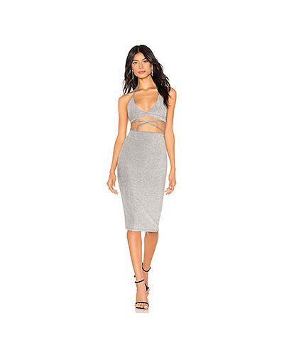 Платье с поясом на резинке серебряный By The Way.