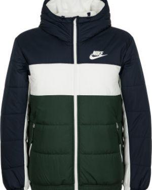 Зимняя куртка с капюшоном утепленная Nike
