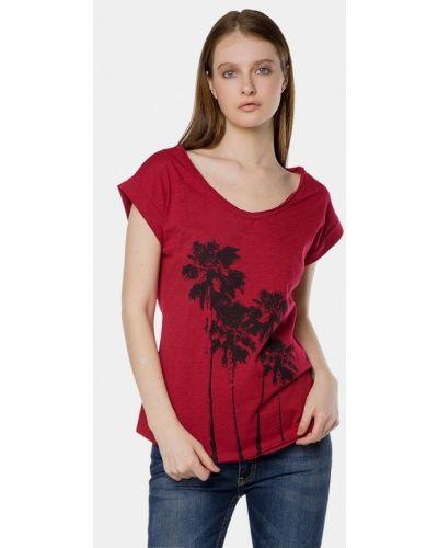Красная футболка Mr520