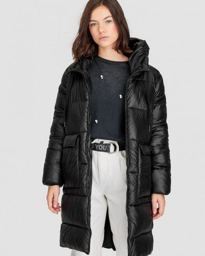 Зимняя куртка утепленная черная Stradivarius