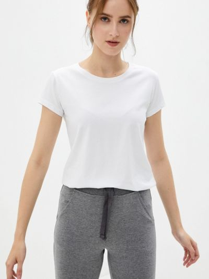 Белая весенняя футболка D.s