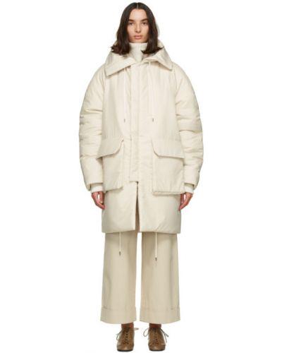 Бежевое пуховое длинное пальто с капюшоном Julia Jentzsch