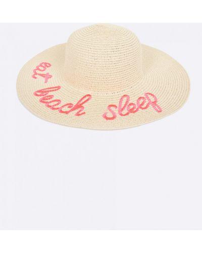 Бежевая шапка Haily's