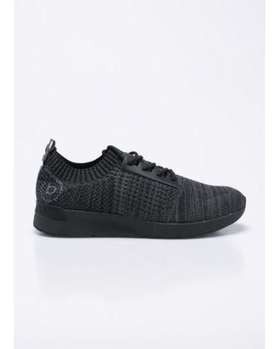 Черные кроссовки Bugatti