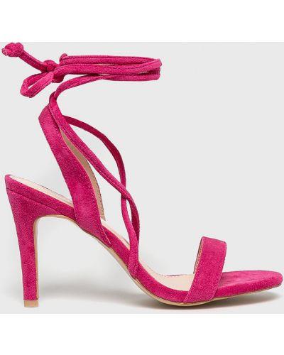 Туфли на каблуке на шнуровке на шпильке Answear