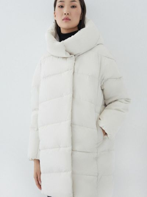 Белая куртка утепленная Zarina