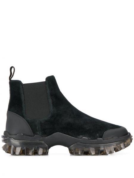 Buty skórzane zamsz czarne Moncler