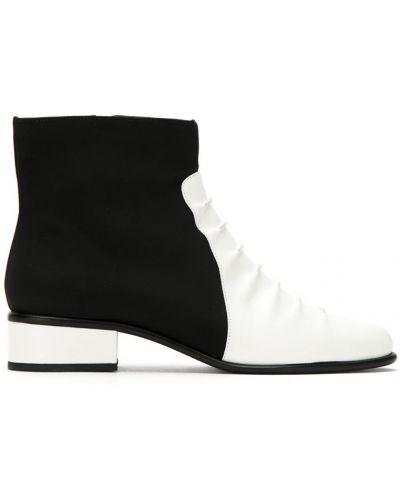 Кожаные сапоги на каблуке кожаные Mara Mac