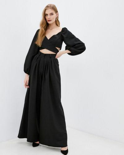 Костюмный черный брючный костюм Lipinskaya Brand