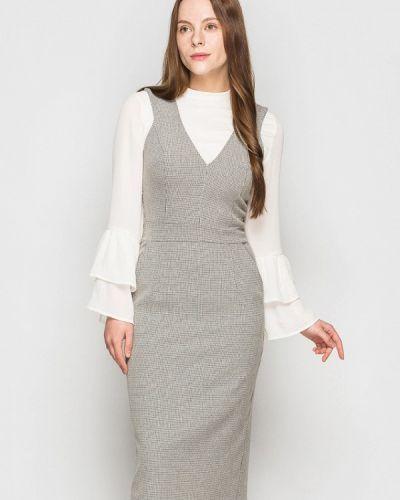 Прямое бежевое платье Evercode