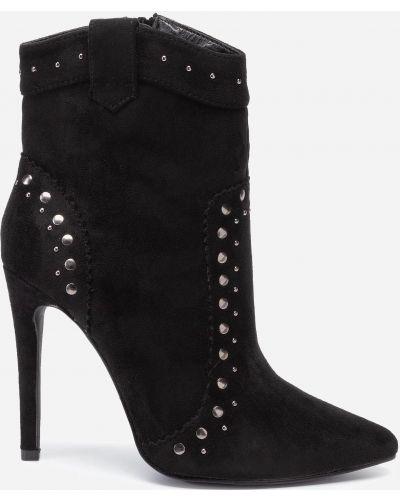 Ботинки на каблуке - черные Deezee