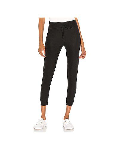 Черные брюки для йоги с поясом из вискозы Beyond Yoga