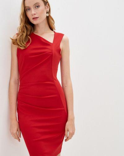 Красное платье-футляр Rinascimento