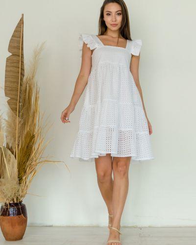 Белое спортивное платье Leo Pride