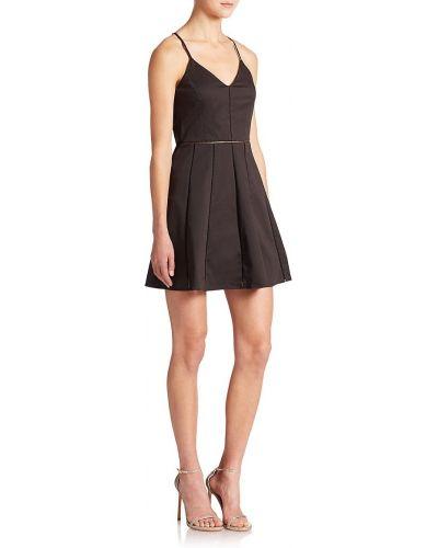 Черное платье без рукавов Parker