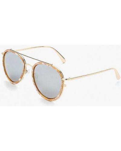 Бежевые солнцезащитные очки River Island