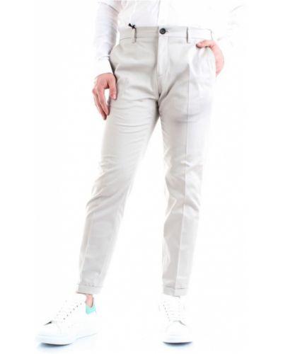 Białe spodnie eleganckie zapinane na guziki Patrizia Pepe
