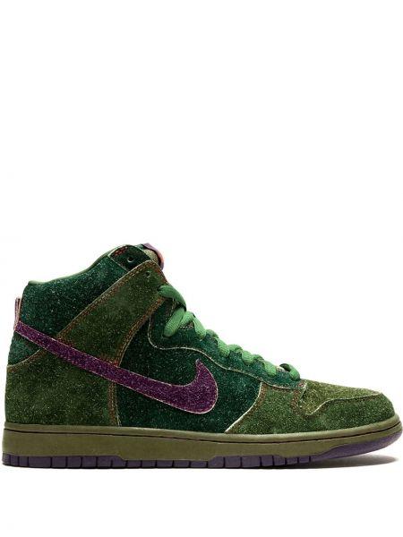 Зеленые высокие кроссовки с заплатками на шнуровке Nike