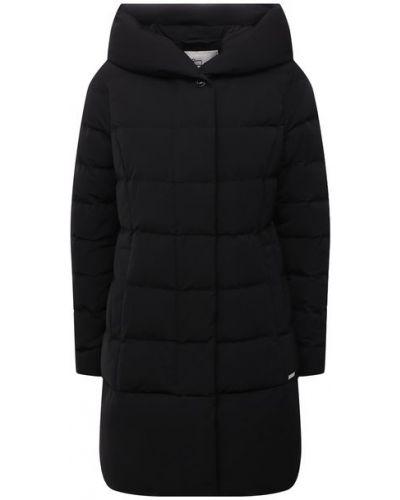Черная куртка с перьями Woolrich