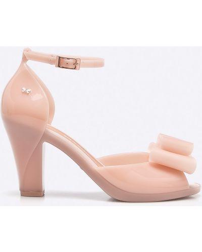 Туфли на каблуке розовый ароматизированный Zaxy