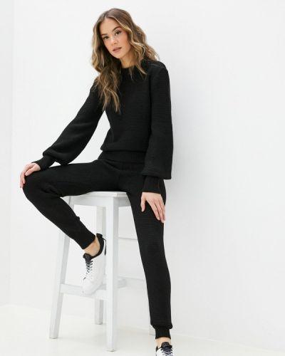 Костюмный черный костюм Dali