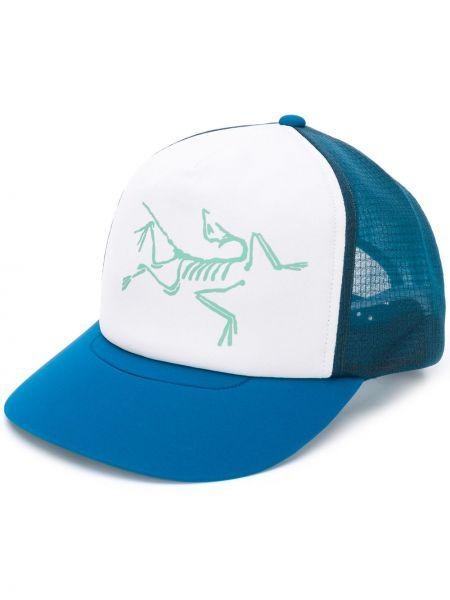 Niebieski kapelusz z printem Arcteryx