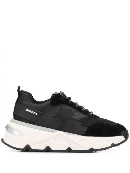 Черные кроссовки на шнуровке с заплатками Diesel
