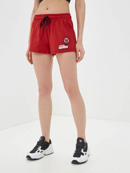 Красные спортивные шорты J.b4