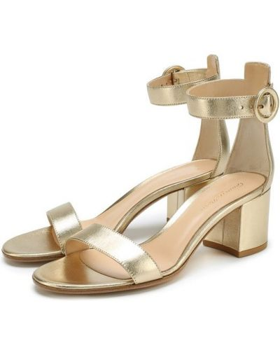 Босоножки на каблуке золотого цвета Gianvito Rossi