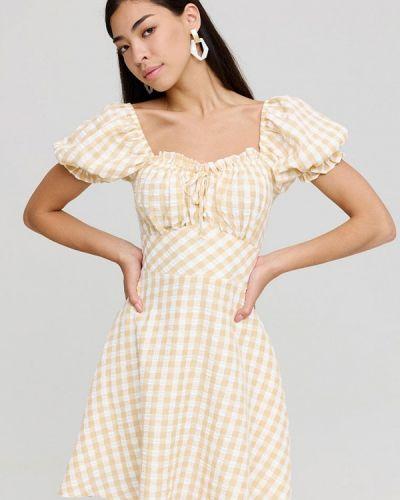 Желтое платье с открытыми плечами Cardo