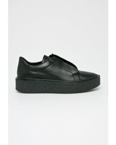 Туфли на танкетке кожаные на каблуке Gino Rossi
