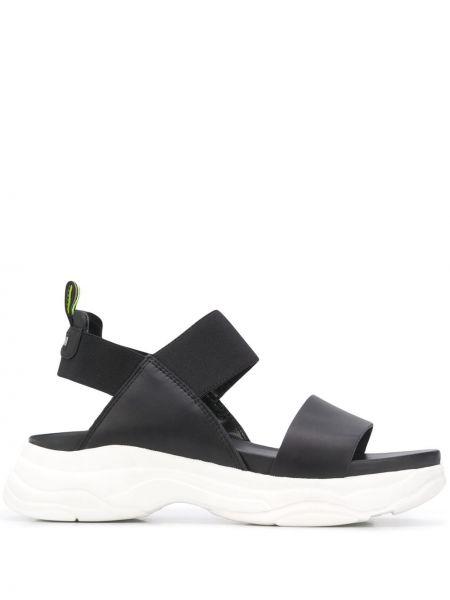 Сандалии черные на каблуке Pollini