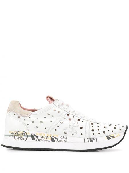 Белые кроссовки на шнуровке с заплатками с перфорацией Premiata