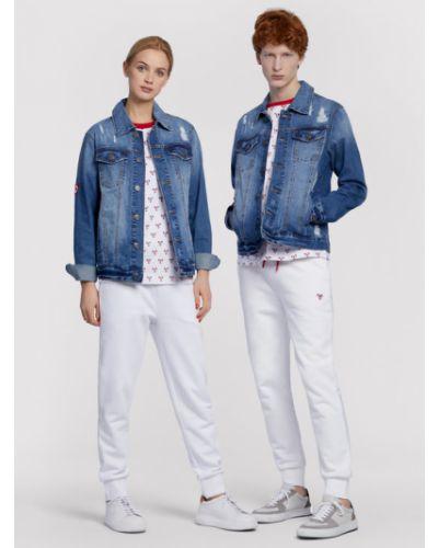 Niebieska kurtka jeansowa Vistula