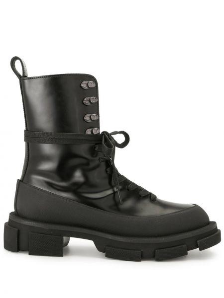 Черные сапоги на шпильке на каблуке на шнуровке Both