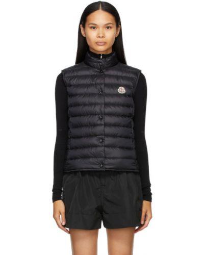 Черная пуховая жилетка с карманами Moncler