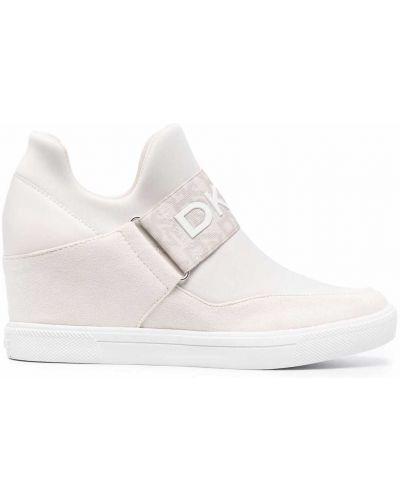 Белые туфли с круглым носом Dkny