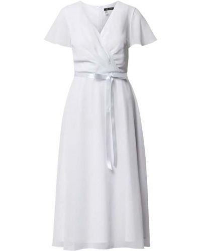 Biała sukienka koktajlowa z paskiem z dekoltem w serek Paradi