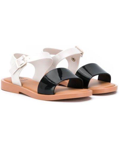 Белые сандалии с пряжкой с открытым носком на плоской подошве Mini Melissa
