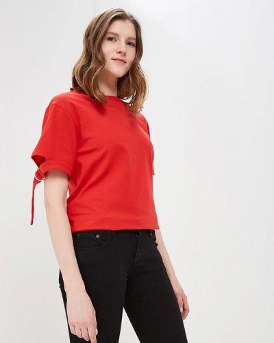 Красная футболка Modis