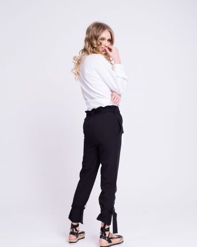 Прямые черные брюки на резинке Naoko