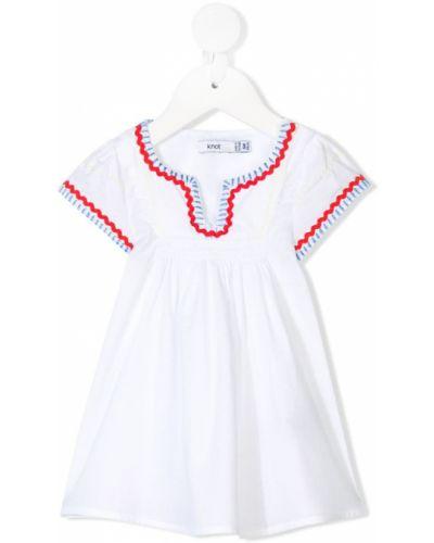 Плиссированное белое платье мини с вышивкой с короткими рукавами Knot
