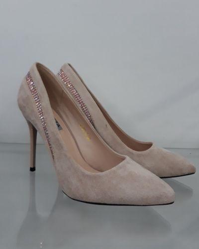 Туфли на каблуке - бежевые Loretta